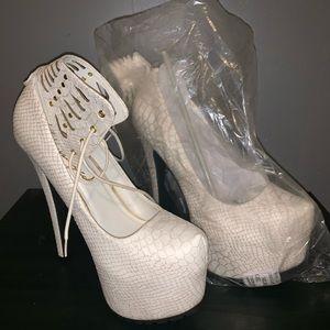 Shoes - Privileged Textured heels style name INGRID